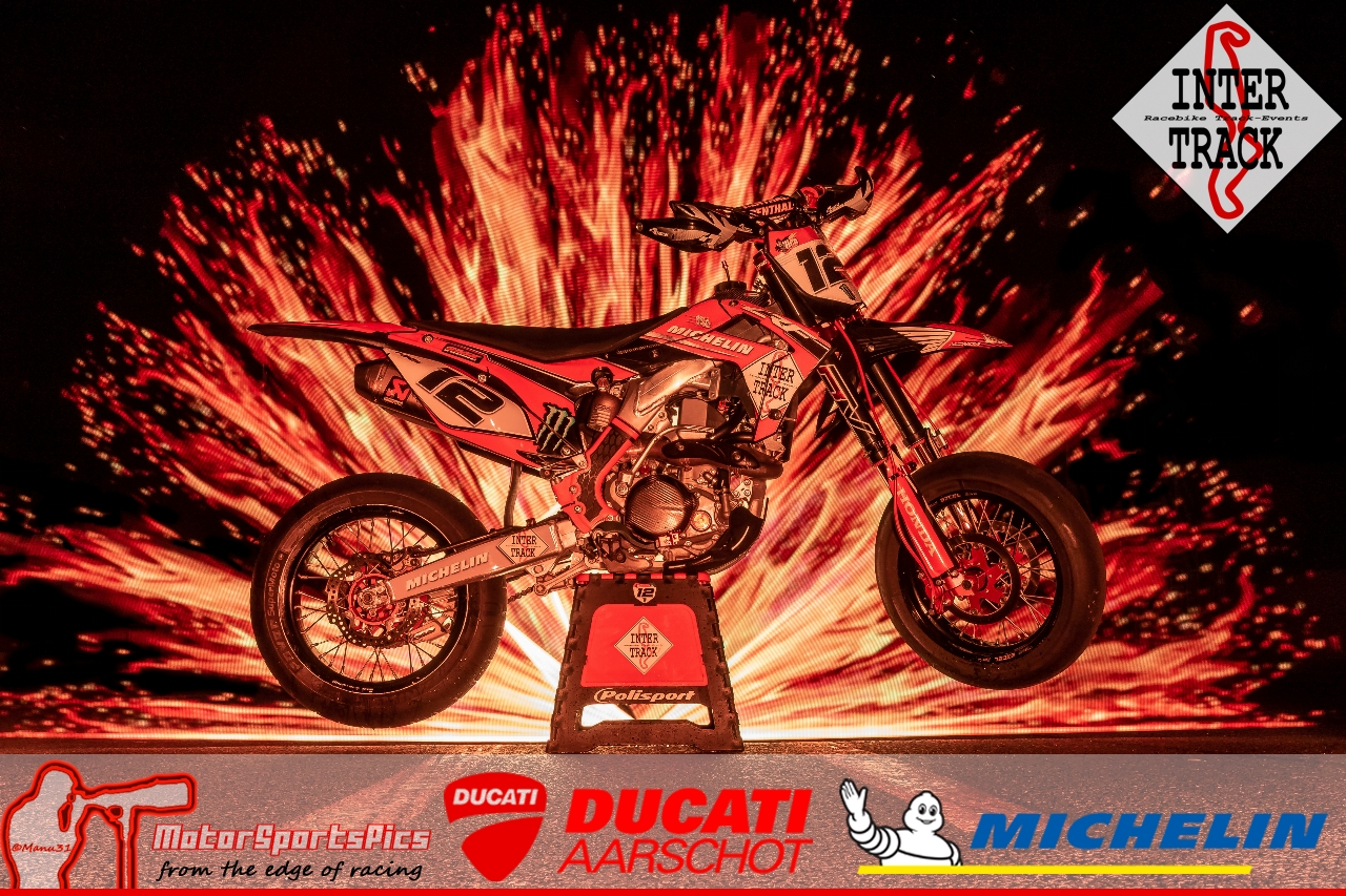 Lightpaint art photography of motorcycles #9