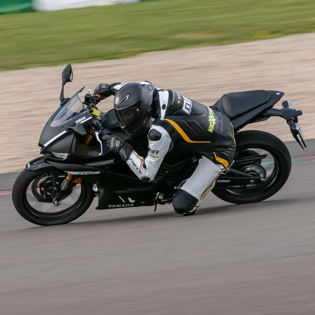 MR magazine tracktest R3 Yamaha